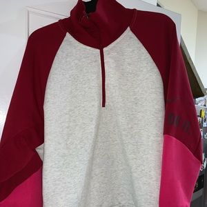 Nike Sports Sweater with pockets on the both sides